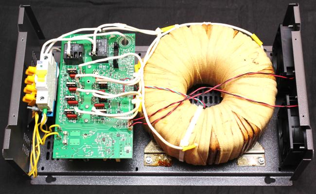 Симисторный стабилизатор - вид изнутри